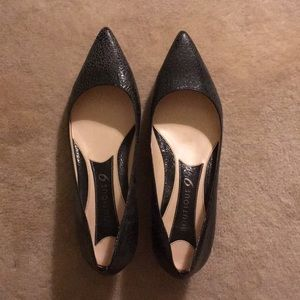 Boutique 9 pointed leather kitten heels